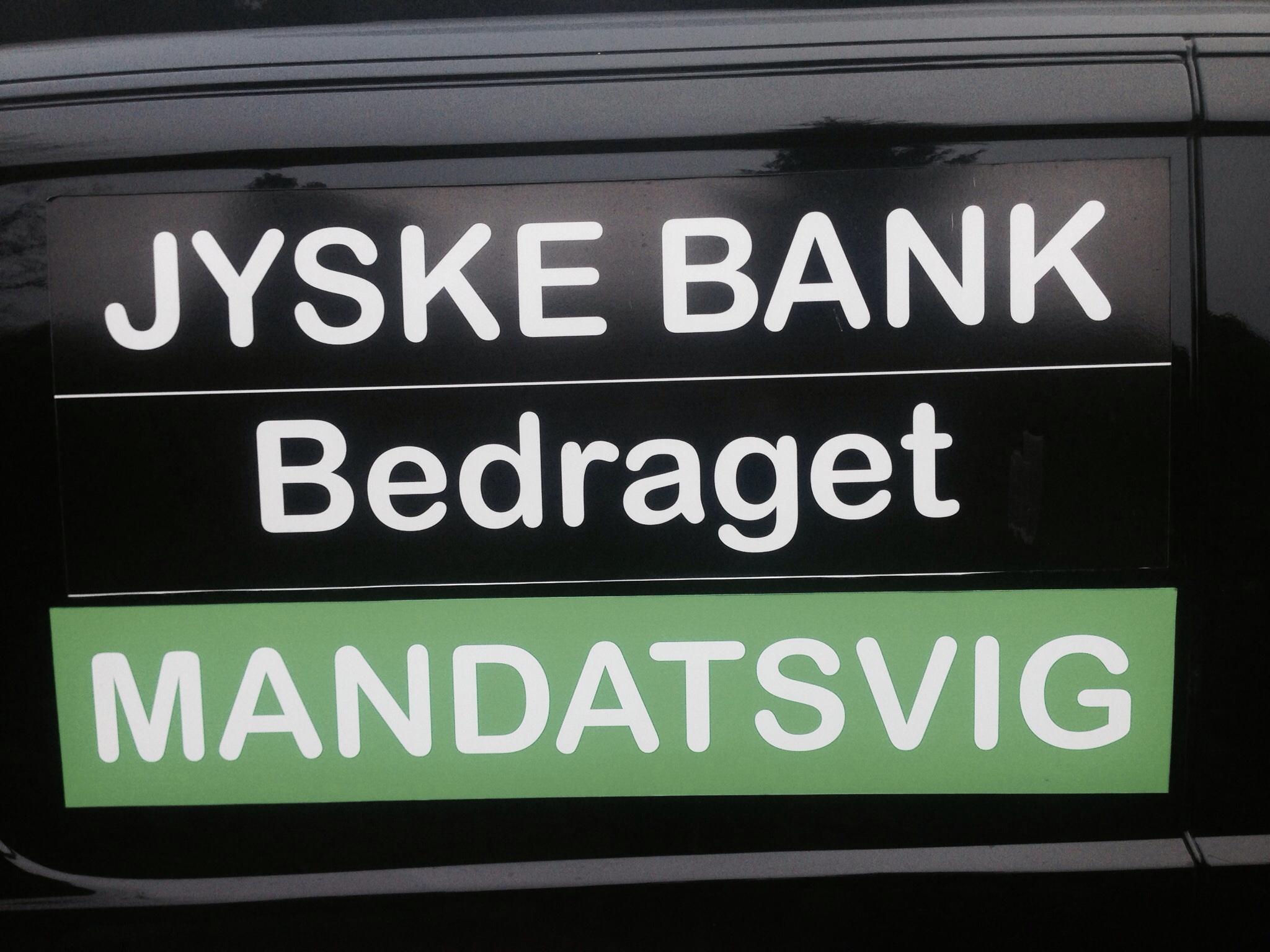 Jyske Banks #advokater Nægter at svare den lille kunde der opdager svindel af kunder i Jyske bank Først #snyder en #jysk bank fra en Helsingør afdeling kunder ved nok #svindel, og #lyver derefter i #retsforhold ved hjælp af #Jyskebanks #advokater :-) Så sender #jyske bank Helsingør afdelingen kunden til #slagteren i #Silkeborg, hvor #slagtermester Sorry mener #inkassomester Birgit Buch Thuesen ra inkasso afdelingen jyske bank klar med #kniven :-) Birgit Buch Thuesen #benægter at jyske bank har #ansvar for noget :-) Birgit Buch Thuesen gik så hårdt til værks at #Bush spærrede alle kunden konti i banken, Alene for at aftvinge kunden de #frivillige underskrifter på flere #salgsfuldmagter og åbnede først kundens adgang til disse spærrede #konti i jyske bank efter kunde underskrev, og det helt frivilligt på 2 salgsfuldmagter, For at sikker jyske Banks interesser, som Birgit Buch Thuesen skræv :-) Birgit Buch Thuesen gjorder meget ud af at det var #frivilligt hun fik underskrævet salgsfuldmagt Både på kundens #private #hus og #ejendom, at spærre kunders konti er jo ikke #tvang mener jyske Bank :-) Ligesom jyske Banks #advokater deriblandt Morten Ulrik Gade der mener alt er som det skal være, og altsammen er kundens egen skyld, jyske bank har intet gjort galt og jyske bank har intet ansvar. :-) Lige da som jyske bank Casper Dam Olsen og Nicolai Hansen løbende stillede støre og støre krav om at få sikkerheder, for det falske lån og falske rentebytte af det falske lån, håber du kan følge med, for der er meget lort i sagen her :-) #Jyskebank fortsætter #Udnyttelse og #vildledning For til sidst at kræve pant i hele virksomheden og alt virksomheden ejede Dette ved vi i dag at bedrageriet og svindlen mod kunder i jysk bank, er sket gennem #VILDLEDING og #TVANG :-) Men er det forkert skal jyske bank jo bare tale med kunden, og så sletter vi det som måtte være skrevet forkert Men kærer jyske bank, i kunne jo bare svare istedet for at udnytte jeres magt og penge til at fortsætte me