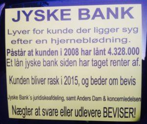 Jyske Banks mange ansatte, og deres advokater Lyver om at kunde har et lån som jyske bank siden 30-12-2008 har taget renter for. - Kunde har siden april 2016 forsøgt at få koncern ledelsen til at stoppe svindlen, men uden held - DET ER JO JYSKE BANKS FUNDAMENT AT FORTSÆTTE DET BANKEN HAR SAT SIG FOR - Som her bedrageri dokumentfalsk misbrug åger udnyttelse - Noget kunden har skrevet til koncern ledelsen mange gange - Ledelsens ordstyrende formand skriver 20-09-2018 at der er en sag imod jyske bank og banken vil svare processuelt på disse bedrageri anklager - Men stoppe bedrageriet, det vil jyske bank stadig ikke